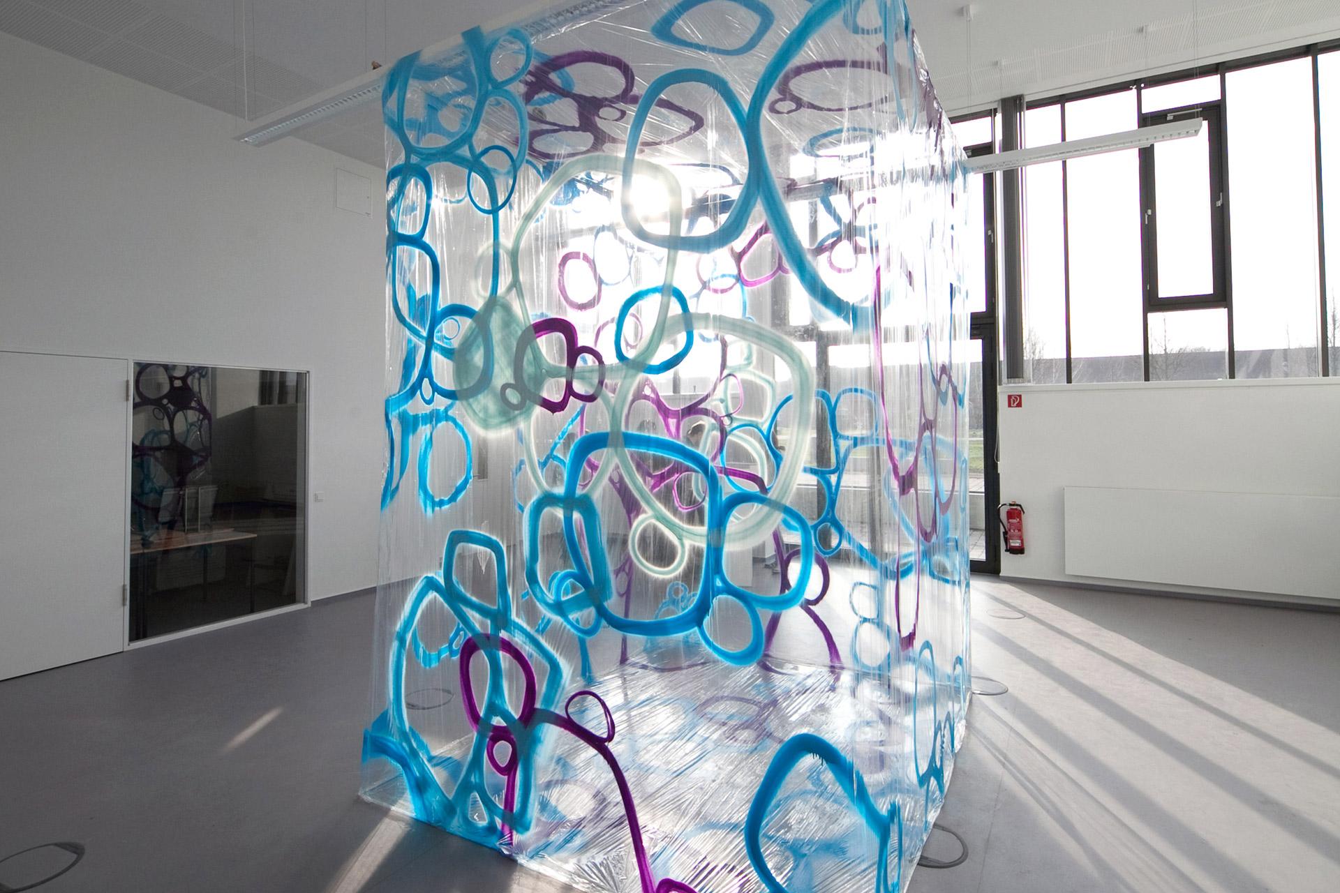 Rauminstallation, Graffiti, Raum, Folie, Spray, Design, Grafik, Blau, Bennet Grüttner, Gedanken, Auckz, Münster
