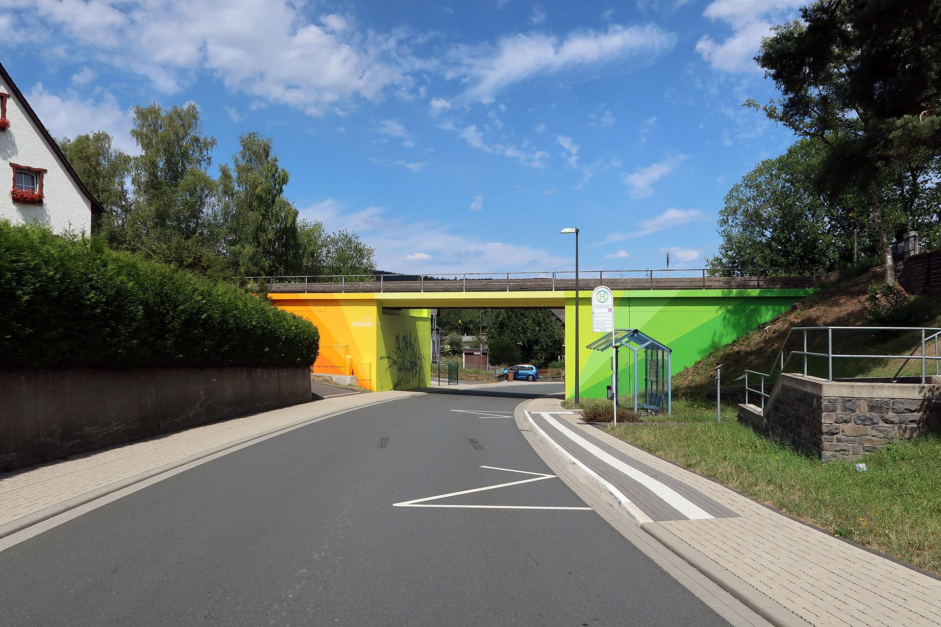 Brückengestaltung, Graffiti, Brücke, Design, Burbach, Siegen, Bennet Grüttner, Motiv, Sprayen, Auckz, Unterführung