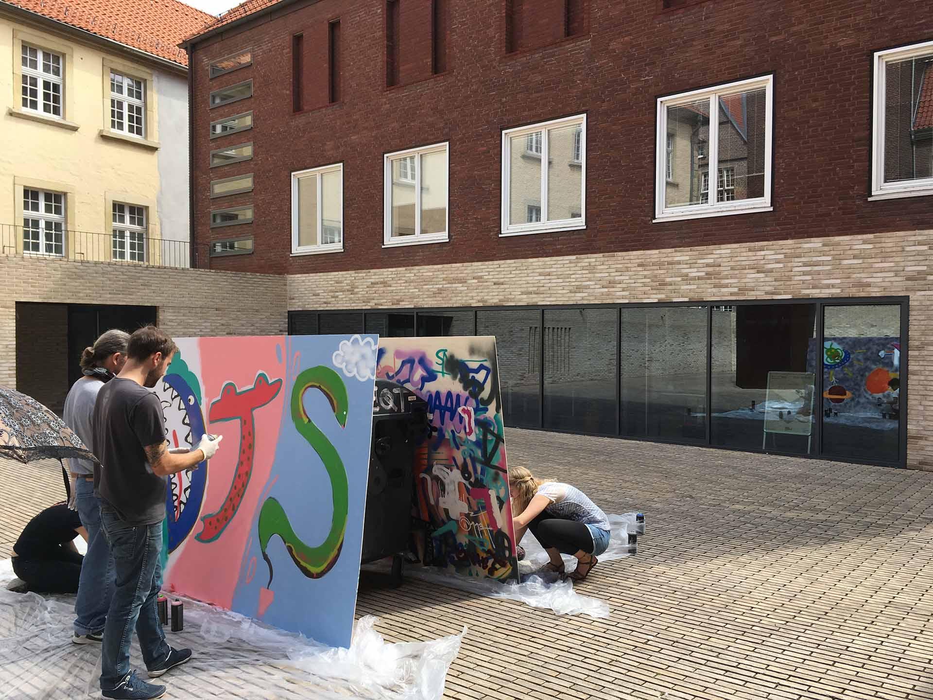 Sprayen, Graffiti-Workshop, Münster, Lernen, Sprühen, Workshop, Schulen, Bennet Grüttner, Motive, Kreativ, Team