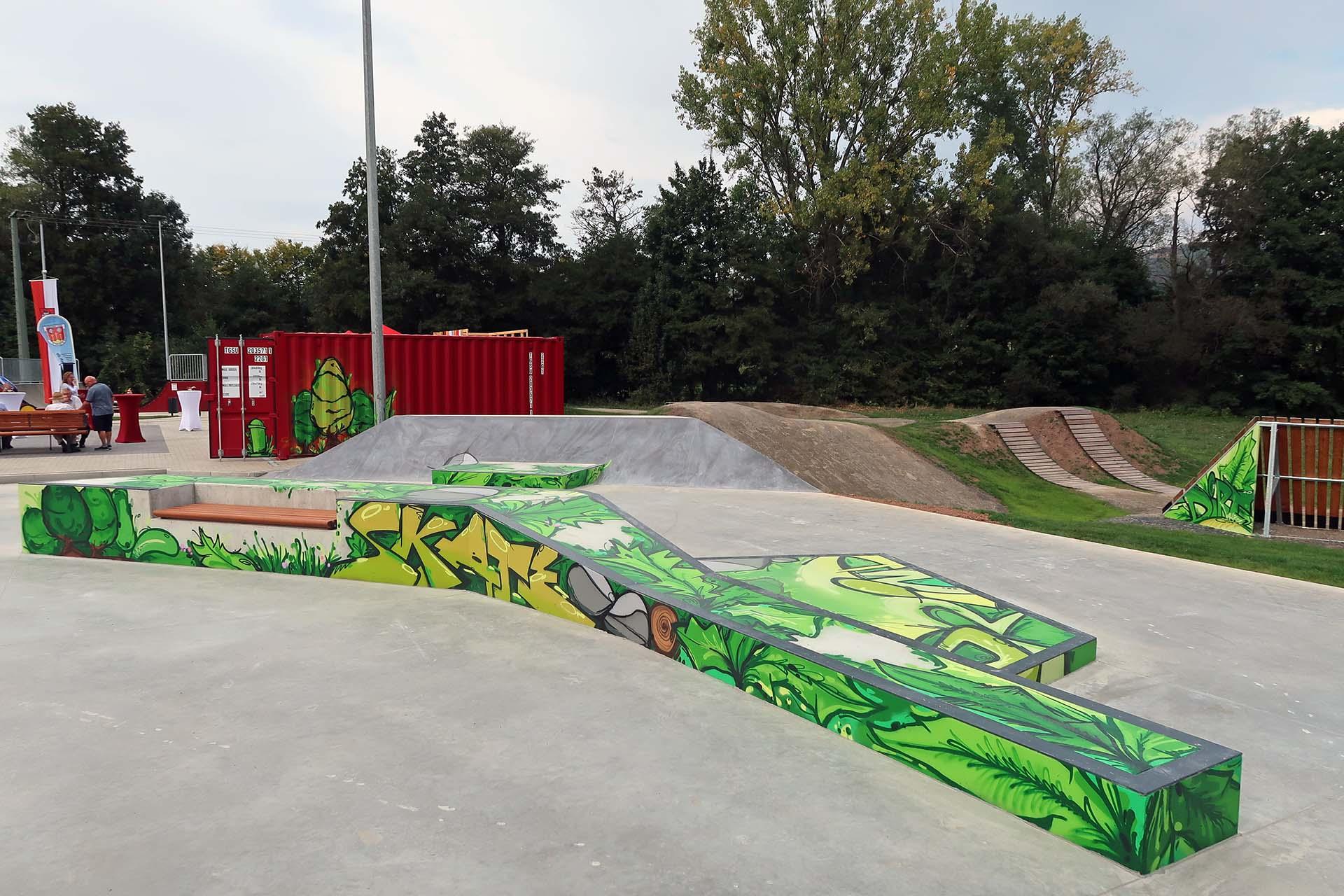 Graffiti im Skatepark in Bischofsheim, Sommer