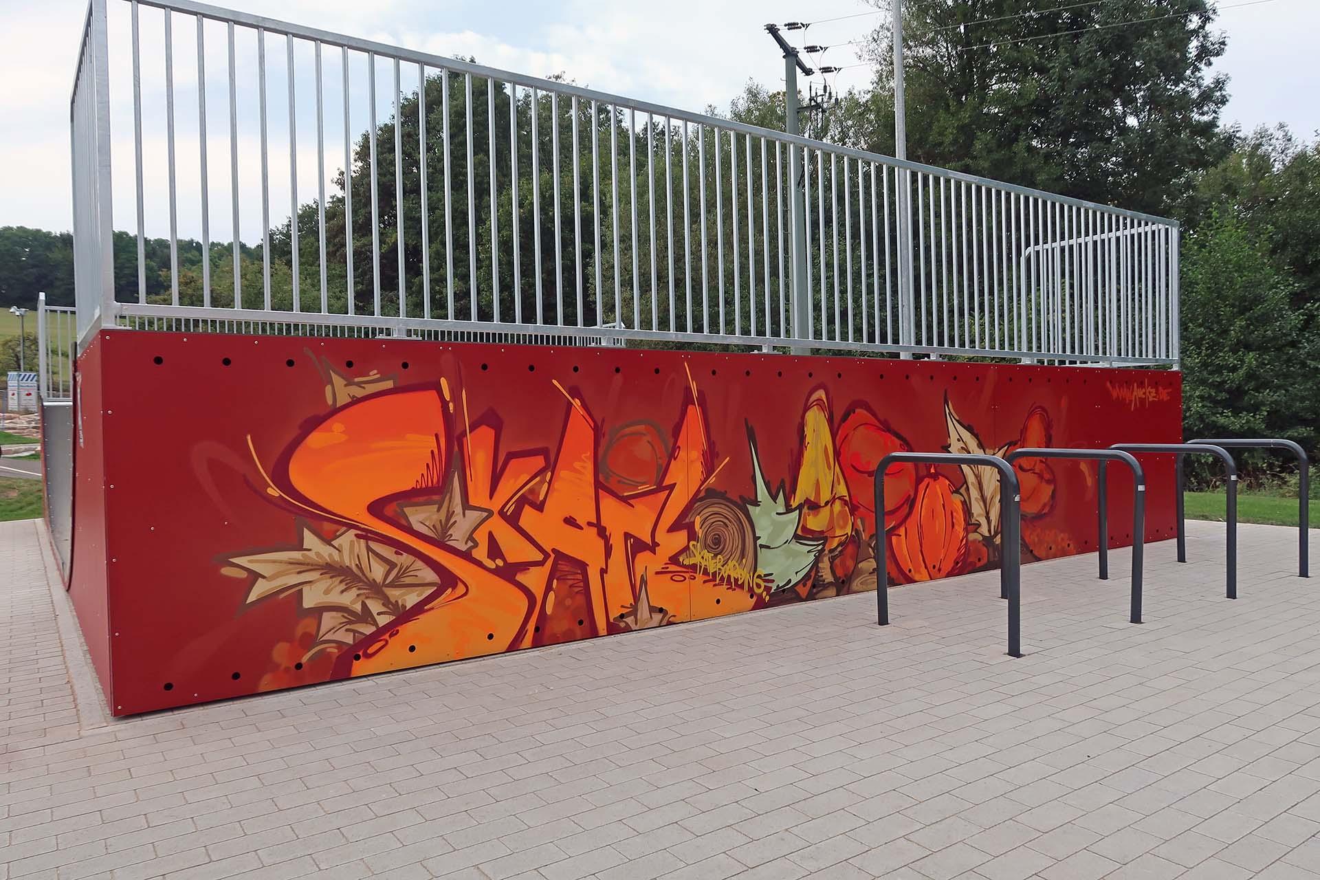 Graffiti im Skatepark in Bischofsheim, Hebst